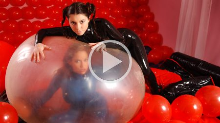 bianca beauchamp 2002 girls love balloons screenshot