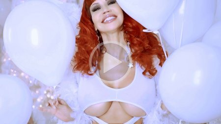 bianca beauchamp 2018 xmas angel screenshot play