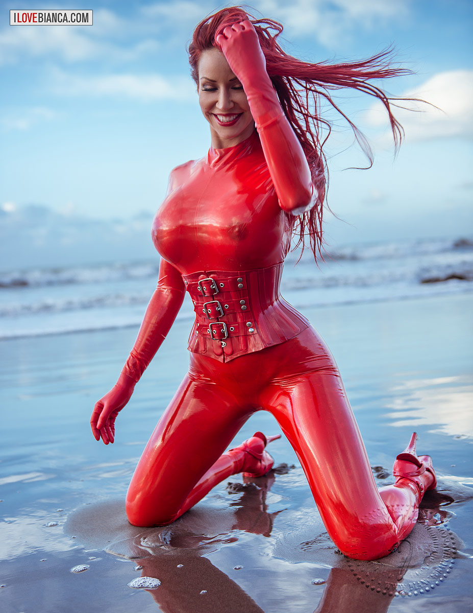 Official Print - Black Beach Treasure - Bianca Beauchamp Latex ...: www.ilovebianca.com/product/official-print-black-beach-treasure